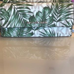 🌴 Michael Kors Wallet 🌴